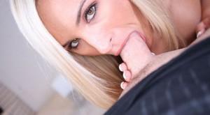 kaycee_hot_blonde_loves_oral_sex_1