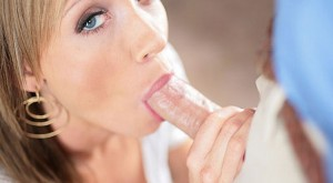 hot_blonde_loves_sucking_cock-2.jpg
